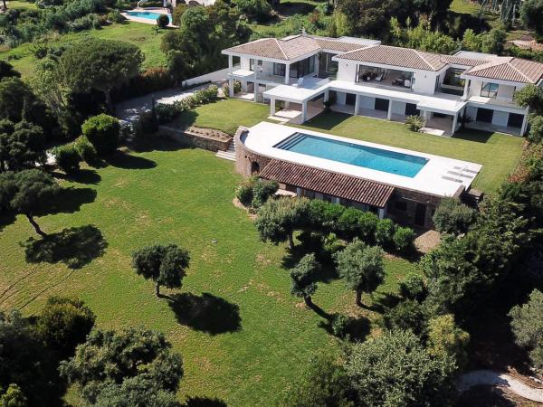 Grimaud-Beauvallon | Luxury Villa approx 400m2 with guest house and beautiful view!