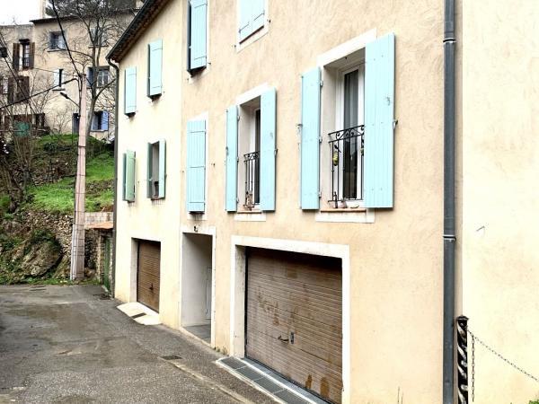Immeuble 5 appartements en plein cœur de Montfort sur Argens